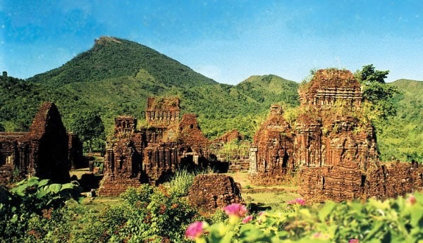 My Son Sanctuary tour - Da Nang to Hue by Car