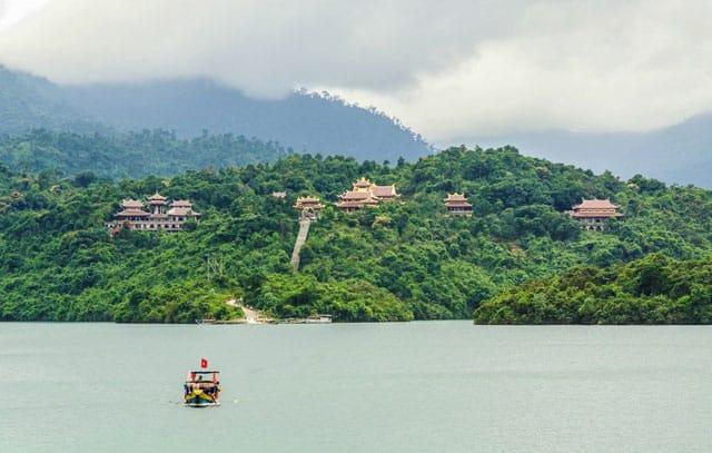 Truc Lam Bach Ma Zen Monastery 1