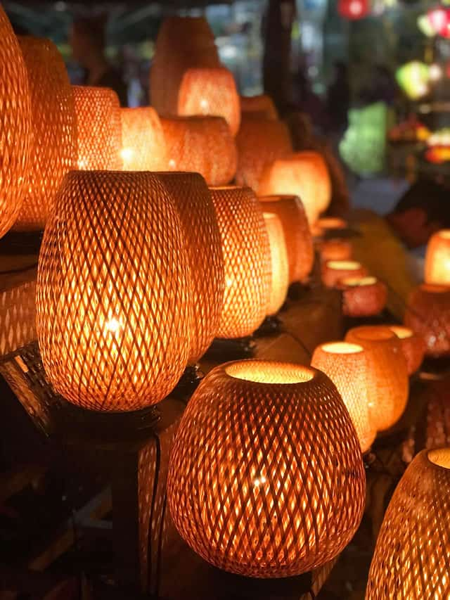 TOP 5 THINGS TO KNOW ABOUT THE HOI AN LANTERN FESTIVAL